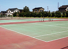 全天候テニスコート